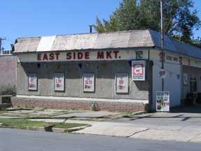 East Side Market, negocio donde los miembros del clan Kingston pueden cambiar sus bonos por mercancías